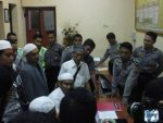 Ustadz Roja Ditolak Gasper Masuk Pamekasan