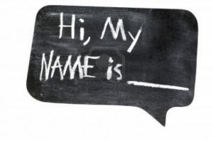 Hukum Menambahkan Nama Swami Setelah Nama Istri